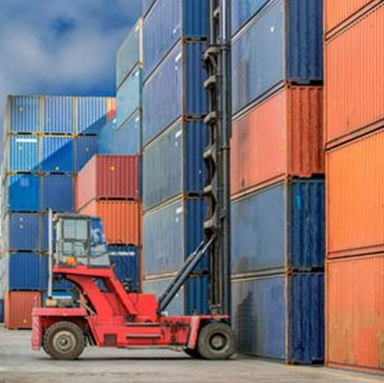 Les grandes grandes manoeuvres dans le transport des containers