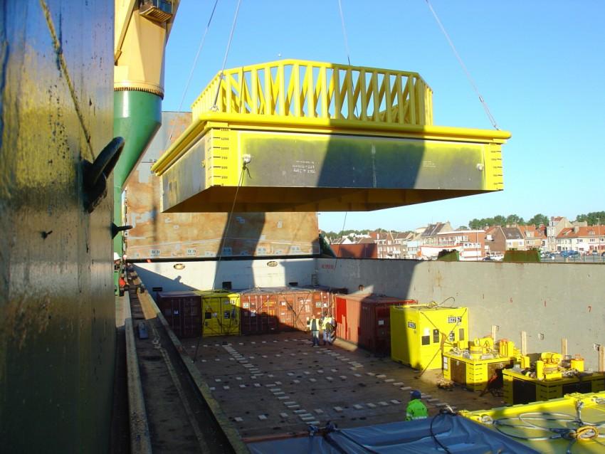 Expédition d'équipement pétrolier depuis Calais/France à Sekondi/Ghana